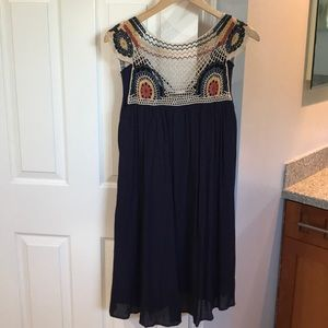 Earthbound crochet top navy dress size small